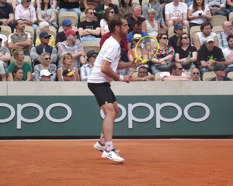 Richard Gasquet bouncing on his toes during play